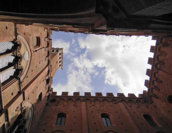 Discovering Via Francigena in Siena by Urban Trekking