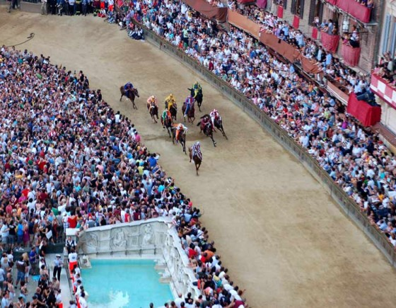 How to buy a ticket for Palio di Siena