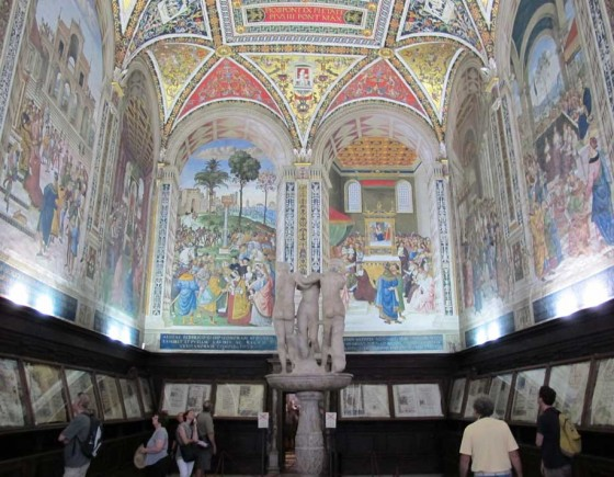 Siena must see: the Cathedral and Piccolomini Library