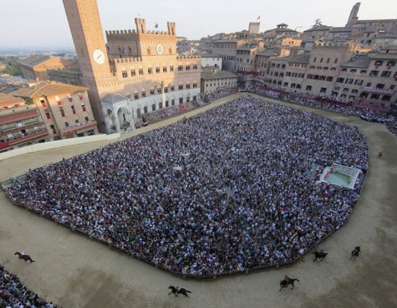 Enjoy Palio di Siena as a local