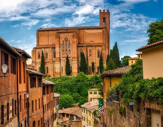 Guide to trekking trails in Siena and surroundings