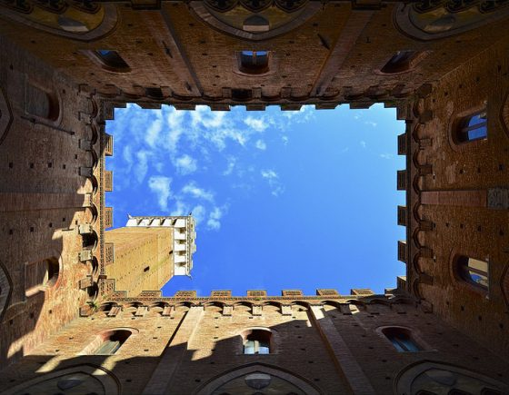 Summer holidays in Siena, must-see concerts in the most beautiful courtyards