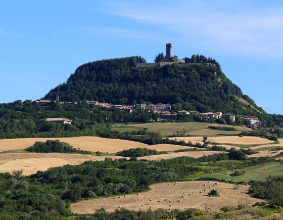 Visit Radicofani, the hamlet of Ghino di Tacco