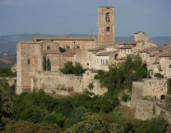 Colle di Val d'Elsa, the hamlet of crystal close to Siena